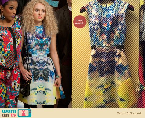 Carrie Diaries Fashion: H&M watercolor mirror print dress worn by Carrie Bradshaw