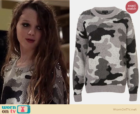 Carrie Diaries Fashion: Topshop studded camo sweater worn by Dorrit Bradshaw