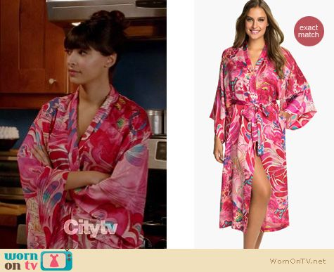 New Girl Fashion: Natori Kubilai robe worn by Hannah Simone