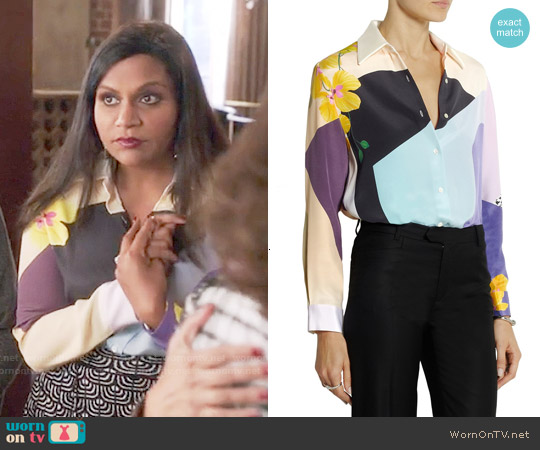 3.1 Phillip Lim Printed silk-crepe shirt worn by Mindy Kaling on The Mindy Project