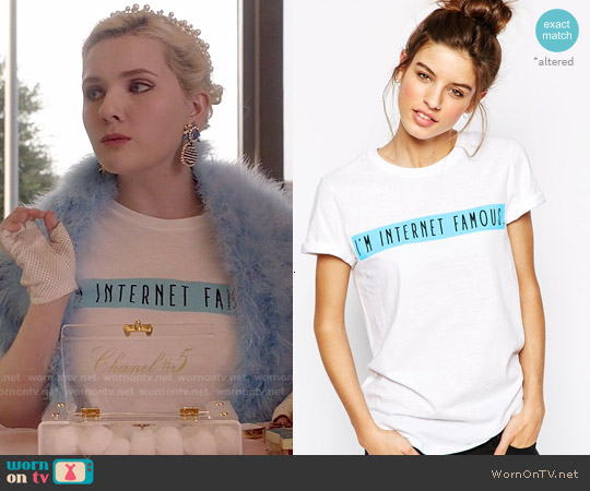 Adolescent Clothing Boyfriend T-shirt with Internet Famous Slogan worn by Abigail Breslin on Scream Queens