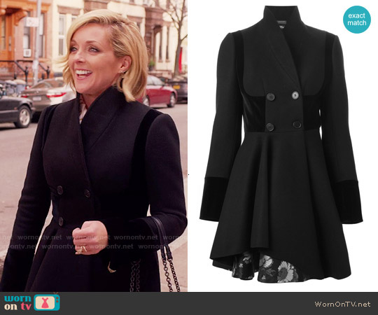 Alexander McQueen Double Breasted Folded Drape Coat worn by Jane Krakowski on Unbreakable Kimmy Schmidt