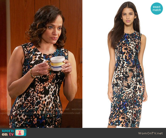 Black Halo Palmdale Dress worn by Judy Reyes on Devious Maids