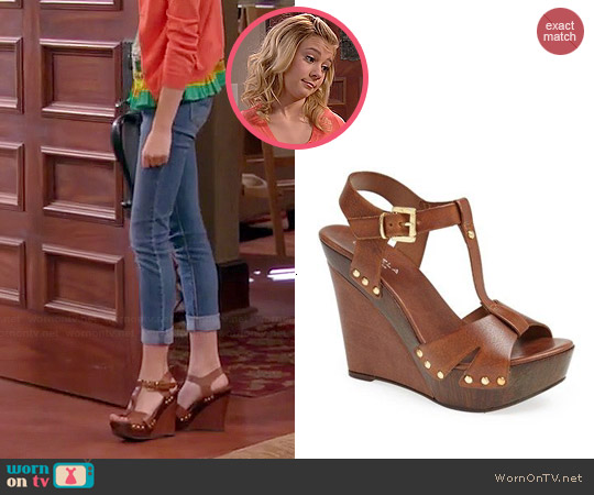 Carvela Kurt Geiger Katey Wedge Sandals worn by Avery Jennings on Dog with a Blog