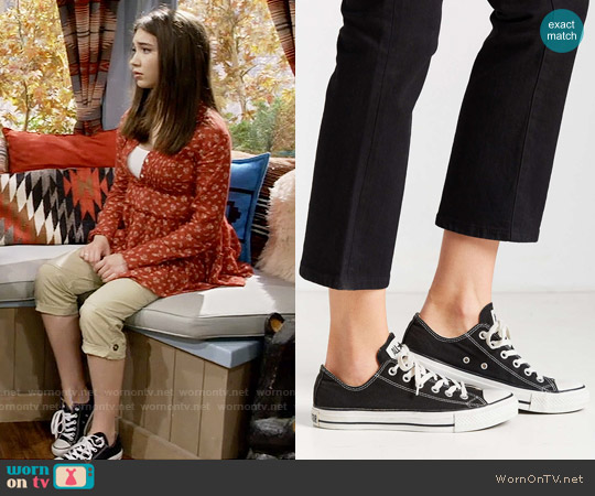 Converse Chuck Taylor All Star Low Top Sneaker in Black worn by Rowan Blanchard on Girl Meets World