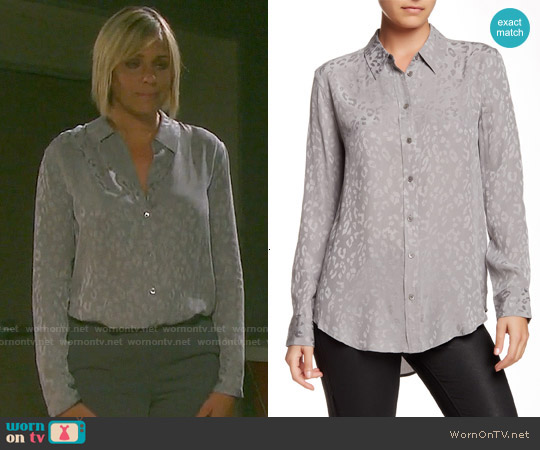 Equipment  'Reese' Leopard Silk Shirt in Frost Grey worn by Arianne Zucker on Days of our Lives