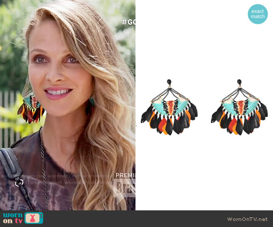 Gas Bijoux Stephania Feather Earrings worn by Phoebe Wells on GG2D