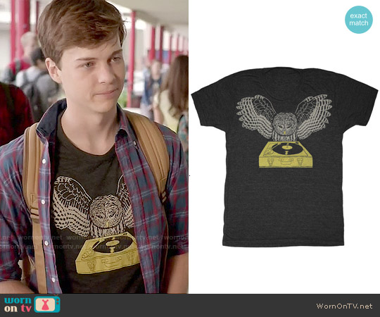 GnomEnterprises DJ Owl Tee worn by John Karna on Scream