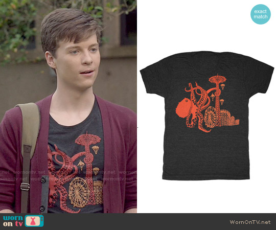 GnomEnterprises Octopus Attack Tee worn by John Karna on Scream