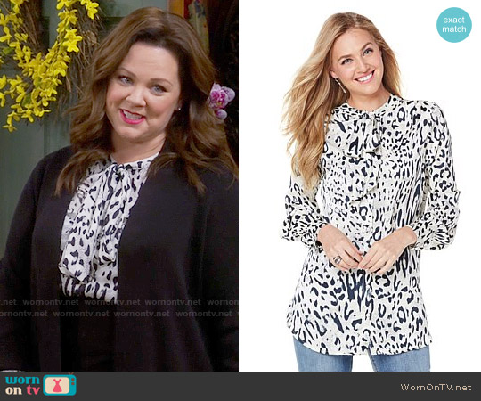 Melissa McCarthy Seven7 Bow Tie Woven Blouse worn by Melissa McCarthy on Mike & Molly