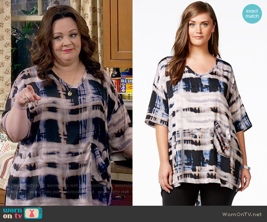 Melissa McCarthy Seven7 Paint-Print Pocketed Top worn by Melissa McCarthy on Mike & Molly