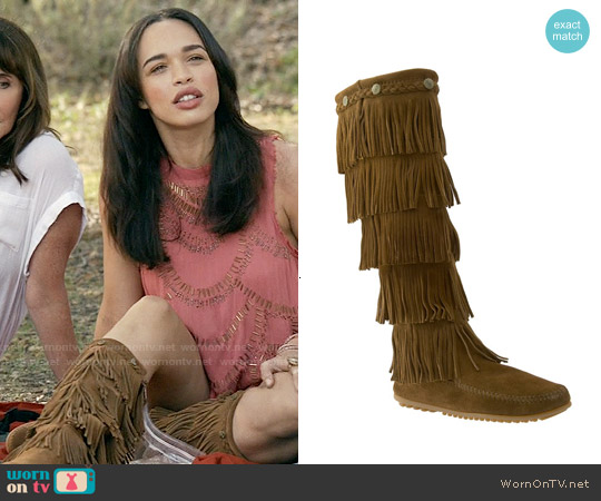 Minnetonka '5 Layer Fringe' Boot in Dusty Brown worn by Cleopatra Coleman on Last Man On Earth