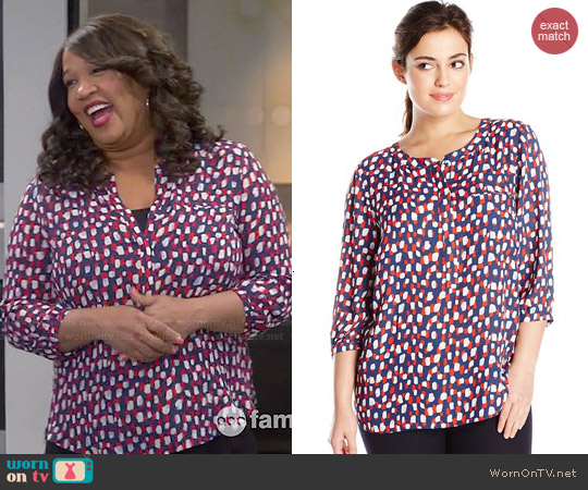 NYDJ Heritage Print Pleat Back Blouse worn by Kym Whitley on Young & Hungry