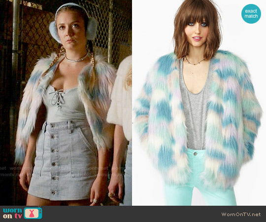 Nasty Gal Fantasy Faux Fur Jacket worn by Billie Lourd on Scream Queens
