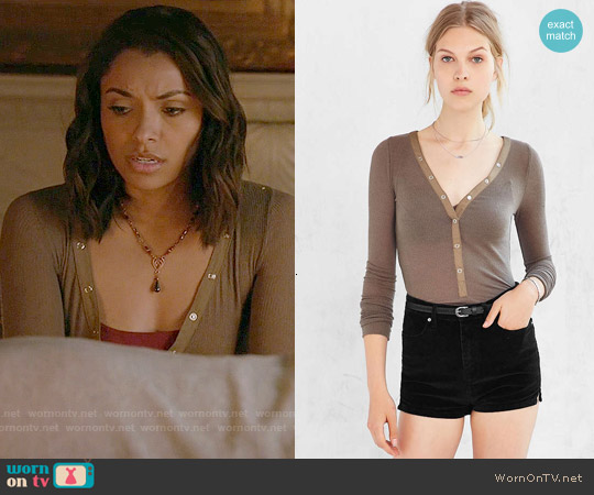 Out from Under Woven Placket Henley Top in Green worn by Kat Graham on The Vampire Diaries
