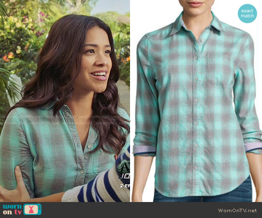 Stylus Long-Sleeve Brushed Twill Plaid Shirt in Aruba Blue worn by Gina Rodriguez on Jane the Virgin