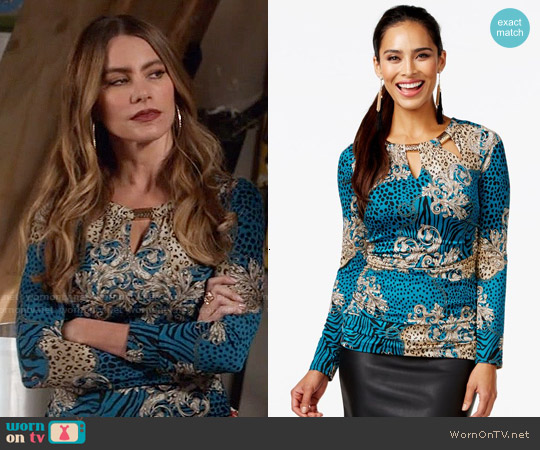 Thalia Sodi Embellished Tri-Cut Ruched Top worn by Sofia Vergara on Modern Family