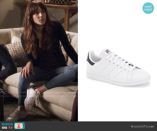 Adidas Stan Smith Sneaker worn by Troian Bellisario on PLL