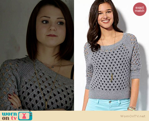 AE Cropped Open Stitch Sweater in Delray Grey worn by Kathryn Prescott on Finding Carter