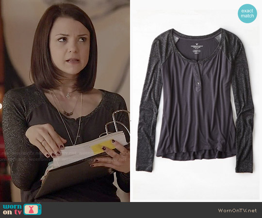 American Eagle Soft & Sexy Henley T-shirt worn by Kathryn Prescott on Finding Carter