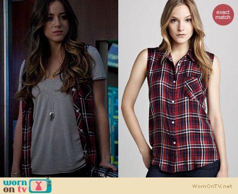 Agents of SHIELD Fashion: Rails Gavin Plaid Sleeveless Shirt worn by Chloe Bennett