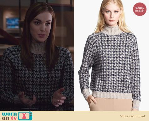 Fashion of Agents Of SHIELD: Astral P Sweater worn by Elizabeth Henstridge