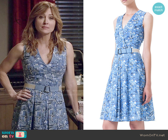 Akris Chefchaouen-Print Belted Pleated Dress worn by Sasha Alexander on Rizzoli & Isles