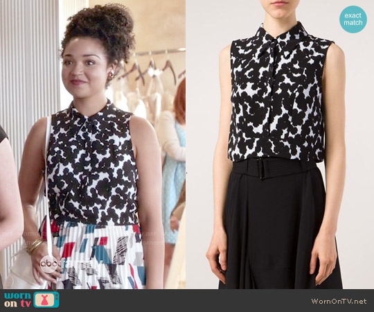 ALC Abstract Print Cropped Top worn by Aisha Dee on Chasing Life