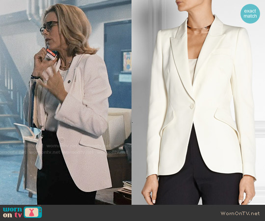 Alexander McQueen Grain de poudre wool blazer worn by Téa Leoni on Madam Secretary