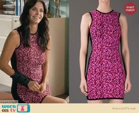 Alexander McQueen Pink Textured Bodycon Dress worn by Courtney Cox on Cougar Town