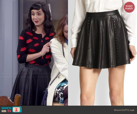 Alice & Olivia Akira Leather Skirt worn by Mandy Baxter on Last Man Standing