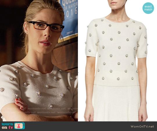 Alice + Olivia Bay Sweater worn by Emily Bett Rickards on Arrow