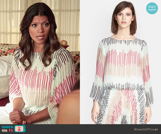 Alice & Olivia Briar Top worn by Andrea Navedo on Jane the Virgin