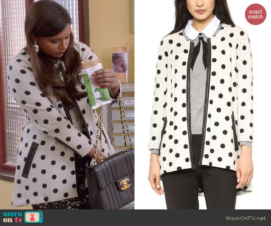 Alice & Olivia Collarless Polka Dot Coat worn by Mindy Kaling on The Mindy Project