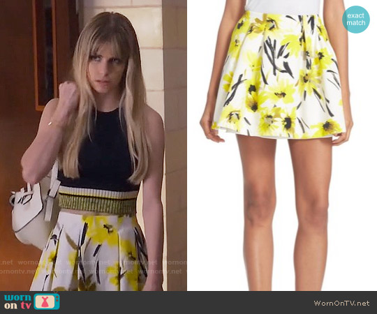 Alice & Olivia Connor Skirt in Daisy worn by Brooke Maddox on Scream