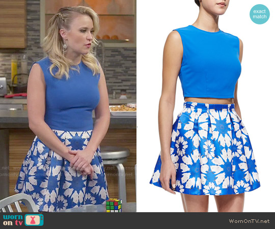 Alice + Olivia Klynn Crop Top and Connor Skirt worn by Emily Osment on Young & Hungry