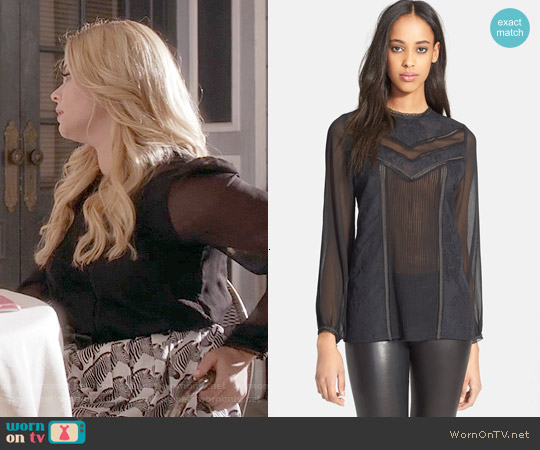 Alice & Olivia Dayna Blouse worn by Sasha Pieterse on PLL