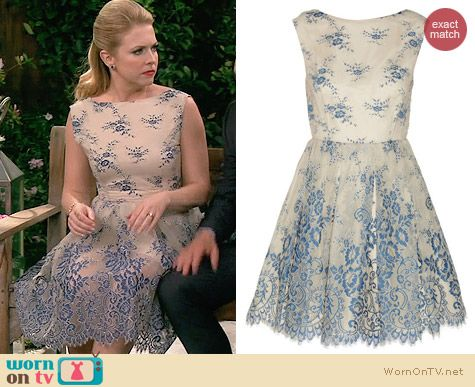Alice & Olivia Fila Lace Dress worn by Melissa Joan Hart on Melissa & Joey