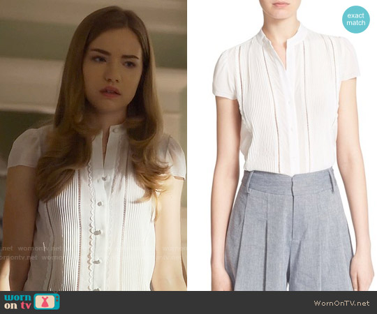 Alice & Olivia Jaclyn Top worn by Willa Fitzgerald on Scream