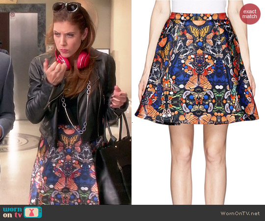 Alice & Olivia Nyla Skirt worn by Kate Walsh on Bad Judge