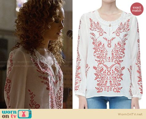 Alice + Olivia Preston Blouse worn by Chaley Rose on Nashville