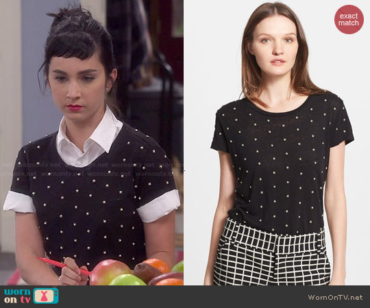 worn by Mandy Baxter ( Molly Ephraim) on Last Man Standing