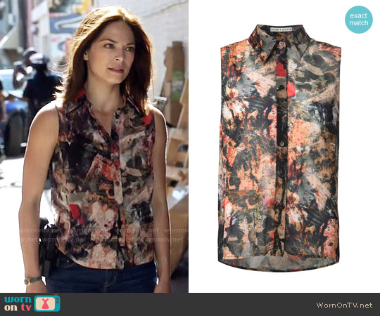 Alice + Olivia Sleeveless Jungle Print Shirt worn by Kristin Kreuk on Beauty & the Beast
