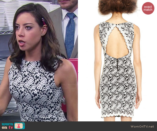 Alice & Olivia Sleeveless Open Keyhole Back Dress worn by Aubrey Plaza on Parks & Rec