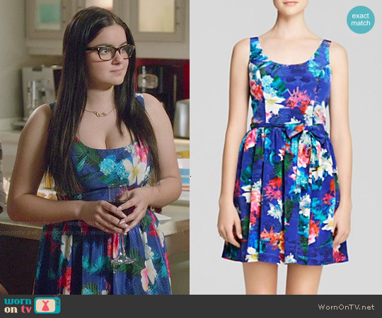 Amanda Uprichard Cafe Island Print Dress worn by Ariel Winter on Modern Family
