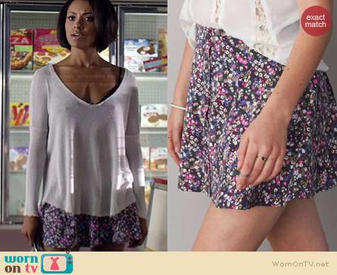 American Eagle Printed Button Front Circle Skirt worn by Kat Graham on The Vampire Diaries