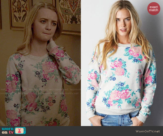 American Eagle Floral Crew Sweatshirt worn by Anna Jacoby-Heron on Finding Carter