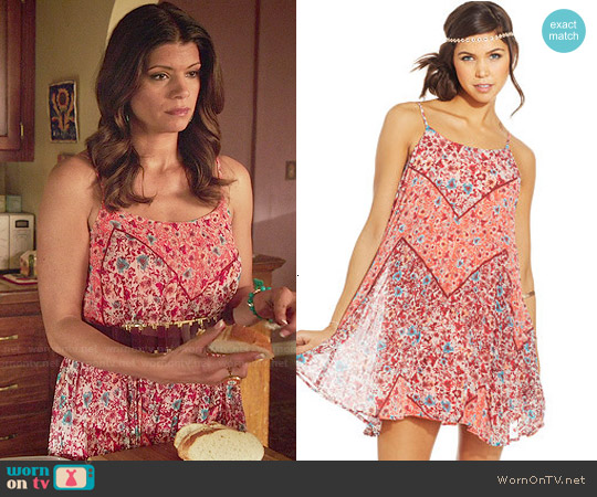 American Rag Floral-Print Trapeze Dress worn by Andrea Navedo on Jane the Virgin