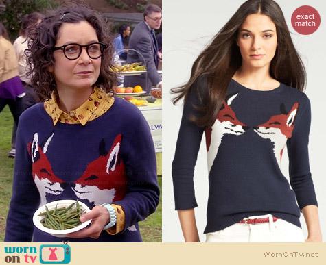 Ann Taylor Kissing Fox Sweater worn by Sara Gilbert on Bad Teacher