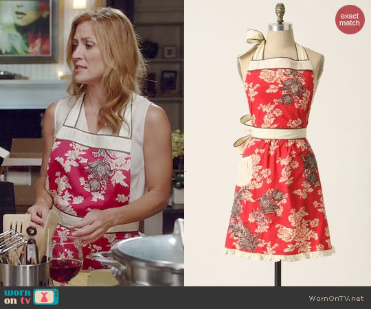 Anthropologie 3D Toile Apron worn by Sasha Alexander on Rizzoli & Isles